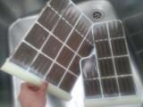 Při zanedbané údržbě klimatizace můžou filtry vypadat i takto...
